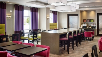 Hampton Inn by Hilton Timmins, Ontario - Perfect Mix Lobby
